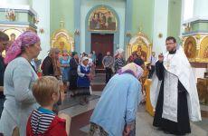 Молебны у святынь