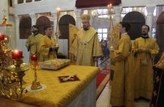 Митрополит Владимир совершил всенощное бдение в нашем храме
