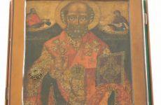 Старинная икона святителя Николая Чудотворца с частицей мощей появилась в нашем храме