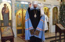 Митрополит Владимир совершил Божественную литургию в Казанском храме (фоторепортаж)